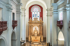 Altare nella cattedrale de San Pedro Claver a Cartagine, Colombi Fotografia Stock Libera da Diritti