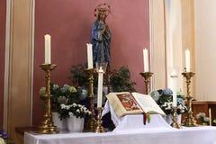 Altare nella chiesa Fotografie Stock