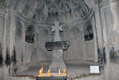 Altare nella chiesa del monsatery di Geghard Immagini Stock