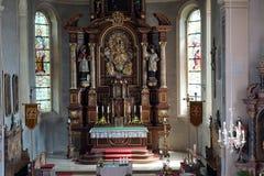 Altare nella chiesa di parrocchia Fotografia Stock