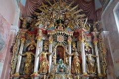 Altare nella chiesa di parrocchia della nostra signora di neve in Kamensko, Croazia Fotografia Stock Libera da Diritti