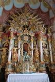 Altare nella chiesa di parrocchia della nostra signora di neve in Kamensko, Croazia Immagini Stock Libere da Diritti