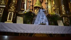 Altare nella chiesa di parrocchia nella vecchia città di Marbella su Costa Del Sol in Spagna Europa Fotografie Stock Libere da Diritti