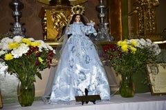 Altare nella chiesa di parrocchia nella vecchia città di Marbella su Costa Del Sol in Spagna Europa Immagine Stock Libera da Diritti