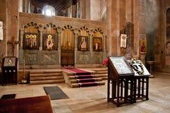 Altare nella vecchia chiesa storica Fotografie Stock