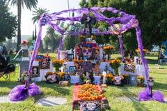 Altare per ricordare i morti durante il giorno dei morti Immagine Stock