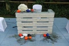 Altare per una cerimonia di nozze civile all'aperto Fotografia Stock