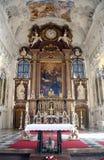 Altare principale, abbazia famosa di Benediktbeuern della basilica di San Benedetto, Germania Fotografia Stock