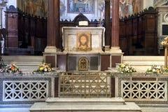 Altare principale di vista del primo piano, basilica di Santa Maria in Trastevere Fotografie Stock