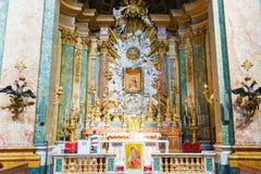 Altare principale nella chiesa del nome più santo di Maria al TR Fotografia Stock Libera da Diritti
