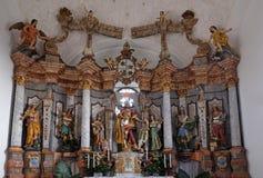 Altare principale nella chiesa del presupposto di vergine Maria in Pokupsko, Croazia Fotografie Stock Libere da Diritti
