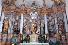 Altare principale nella chiesa del presupposto di vergine Maria in Pokupsko, Croazia Immagine Stock Libera da Diritti
