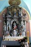 Altare principale nella chiesa di parrocchia di San Martino in Pisarovinska Jamnica, Croazia Immagini Stock