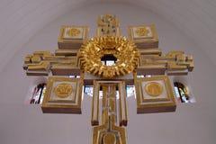 Altare principale nella chiesa di Saint Lawrence in Kleinostheim, Germania Immagini Stock