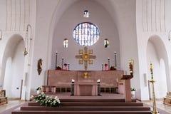 Altare principale nella chiesa di Saint Lawrence in Kleinostheim, Germania Fotografia Stock
