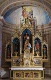 Altare principale nella chiesa di St Matthew in Stitar, Croazia Immagini Stock Libere da Diritti
