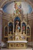 Altare principale nella chiesa di St Matthew in Stitar, Croazia Fotografia Stock Libera da Diritti