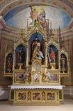 Altare principale nella chiesa di St Matthew in Stitar, Croazia Immagine Stock