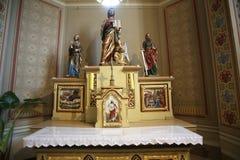 Altare principale nella chiesa di St Matthew in Stitar, Croazia Immagine Stock Libera da Diritti