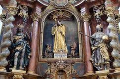 Altare principale nella chiesa Leonard di Noblac in Kotari, Croazia Immagine Stock Libera da Diritti