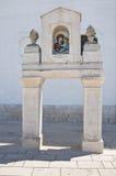 Altare storico di una chiesa. Fotografia Stock
