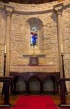 Altare in una chiesa cattolica Fotografia Stock