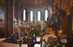 Altare vår dam av Covadonga Sanctuary, Asturias, Spanien Royaltyfria Foton