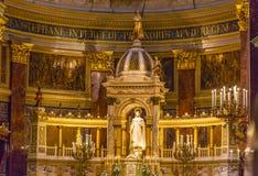 Altarebasilikahelgon Stephens Cathedral Budapest Hungary Arkivbild
