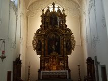 Altaret i den stora kristna kyrkan av staden av Konstanz fotografering för bildbyråer