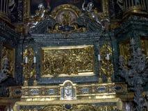 Altaret i kyrkan av den Gesà ¹en lokaliseras i den piazzadel Gesà ¹en i Rome arkivfoton