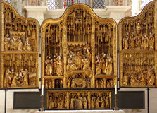 Altaret. Sts Mary kyrka, LÃ-¼beck Arkivbild