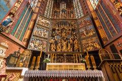 Altartavla Veit Stoss (altaret för St Marys) - Cracow (Krakow) - Polen arkivfoto