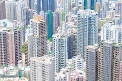 Altas subidas que causan postura desgarbada de las propiedades inmobiliarias Fotografía de archivo libre de regalías