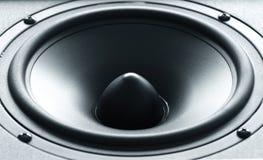 Altavoz enorme del bajo negro con la membrana de alta calidad imagenes de archivo
