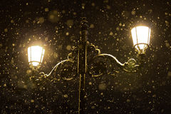 altay καλυμμένη οδός της Σιβηρίας νύχτας λαμπτήρων υγείας belokurikha θέρετρο στοκ εικόνα