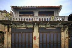 Altbau Geschoß des Dorfbewohners zwei in Talad Noi, Bangkok, Thailand Lizenzfreie Stockfotos