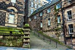 Altbauten des historischen Teils von Edinburgh lizenzfreie stockfotografie