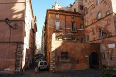 Altbauten mit Terrassen im Marktplatzengen tal Oro in Rom lizenzfreie stockfotografie
