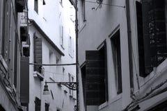 Altbauten und Kanäle in Venedig, Italien, Balkondetails Stockfotografie