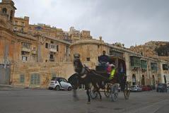Altbauten und Victoria Cate im großartigen Hafen von Valletta Stockbild