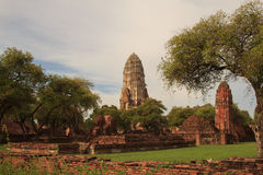 Alte Überreste von Wat Ratchaburana-Tempel im Ayutthaya Hist Stockfotos