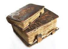Alte abgenutzte Bücher mit lederner Abdeckung Lizenzfreie Stockfotografie
