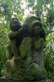Alte Affeskulptur im Dschungel, heiliger Affe Forest Sanctuary Lizenzfreies Stockfoto