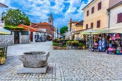 Alte alte Stadt Nin in Kroatien, europäische Reiseplätze Stockbild