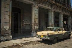 Alte amerikanische Autos HAVANA/CUBA am 4. Juli 2006 - in den Straßen von Stockfoto