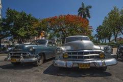 Alte amerikanische Autos HAVANA/CUBA am 4. Juli 2006 - in den Straßen von Lizenzfreie Stockfotografie