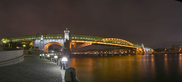 Alte Andreevsky Brücke Lizenzfreie Stockfotografie
