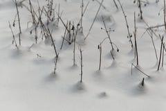 Alte Anlagen im Schnee Stockfotos