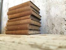 Alte antike Bücher der Weinlese lizenzfreie stockbilder