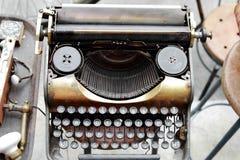 Alte antike Schreibmaschine stockfoto
